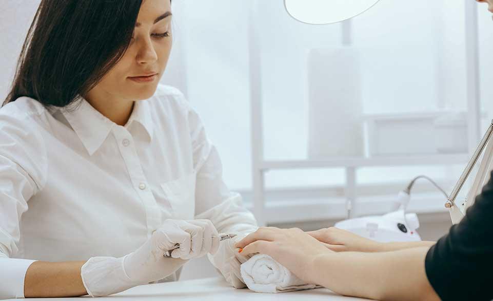 %beste kosmetische Ausbildung%Akademie der Kosmetik